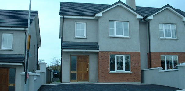 House for Sale by Private Treaty 6 Hillside, Dromcolliher, Co. Limerick, P56ET22 1,146 sq ft room, kitchen/dining room & downstairs toilet. Steel shed to rear. Price €150,000